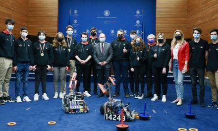"""Echipa AutoVortex – câștigătorii medaliilor de aur la Campionatul Internaţional de Robotică """"FTC Russia 2021"""""""