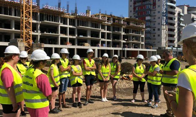 """Şcoală de vară EduSmart dedicată """"inginerilor de mâine"""", la Universitatea din Oradea"""